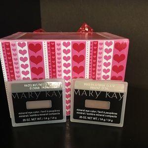 Mary Kay Makeup - MARY KAY EYE SHADOW